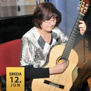 Vesna Petković, gitara Olga Petrović, klavir