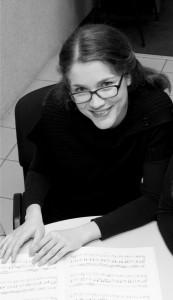 Marija Dinov Vasic (1980) studije klavira završila je na FU u Ni